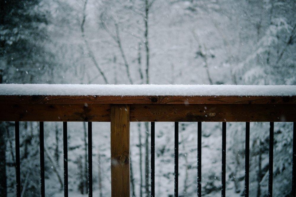 När snön står utanför altandörren